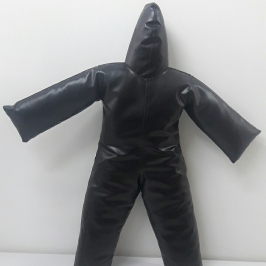 Boneco  Material Sintético Preto  1,15 altura peso 600g  (Vazio)